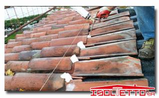 Riattare il tetto a Morcote nal Canton Ticino
